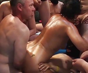 MILF Swingers Tube